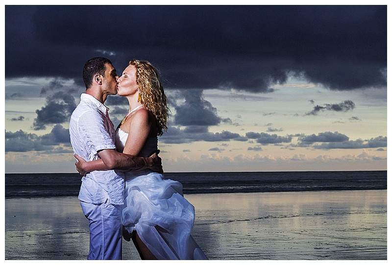 romantic sunset portraits, bride and groom, trash the dress, costa rica