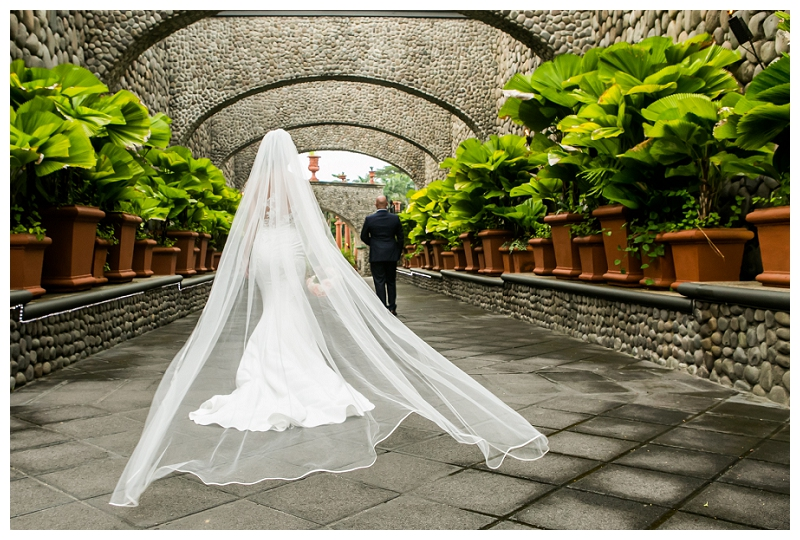 dramatic wedding photography in costa rica