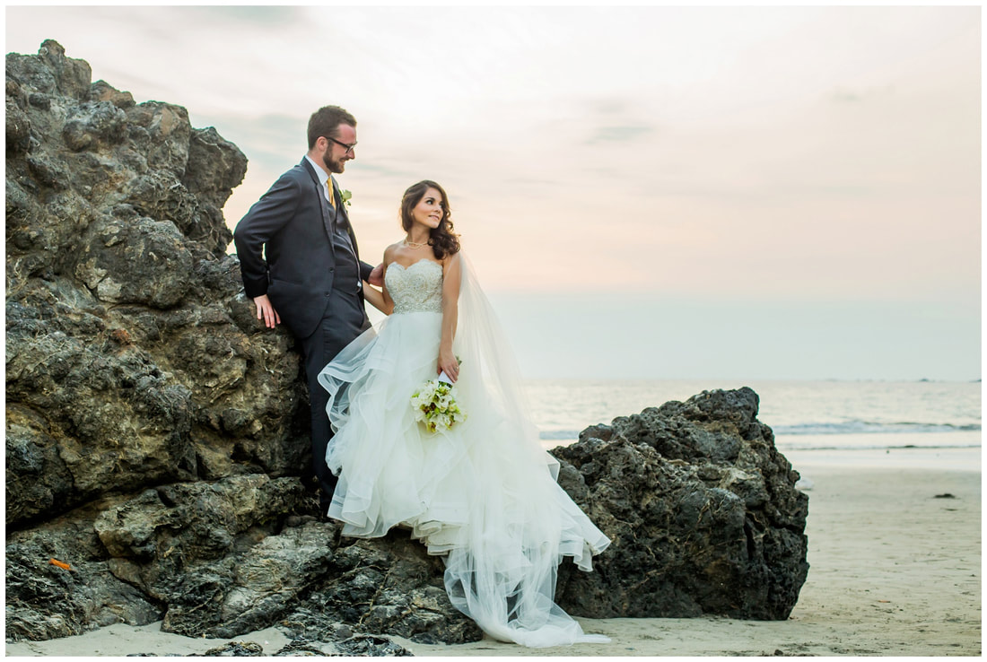 Manuel antonio wedding photographers