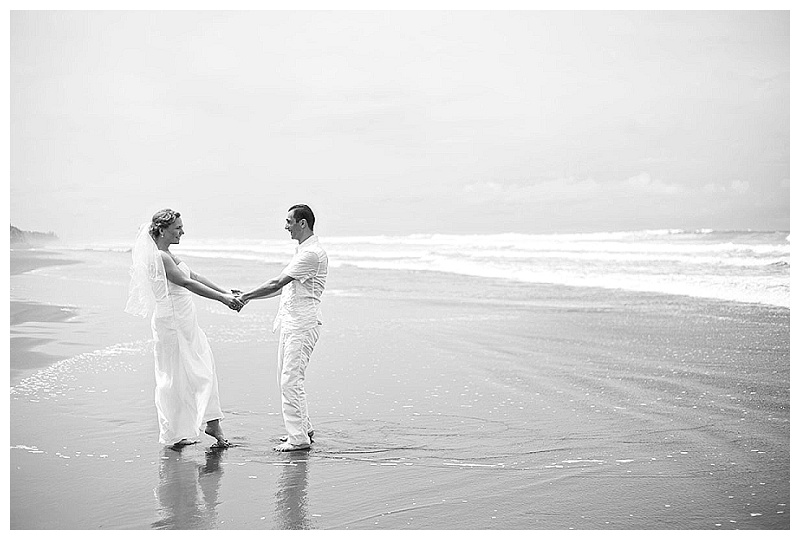 esterillos este beach wedding