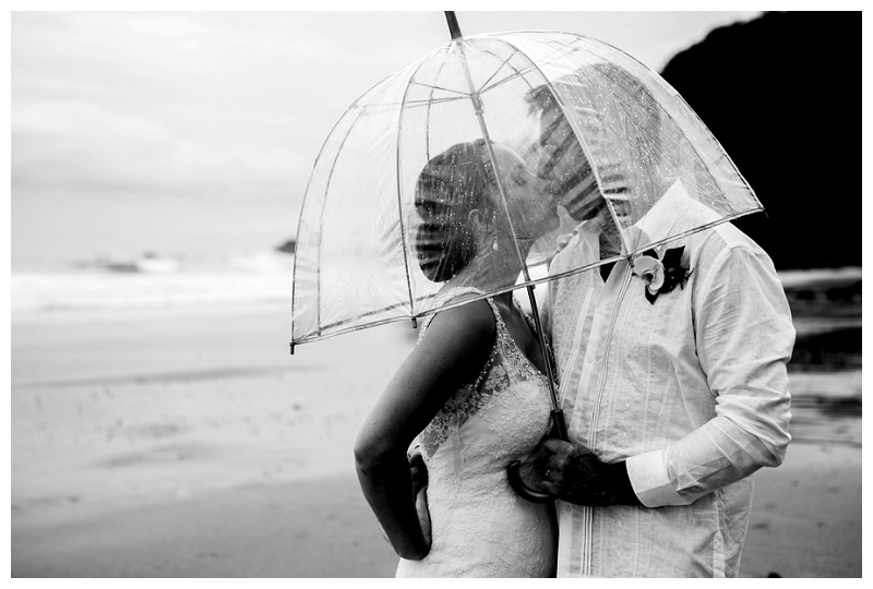 rainy wedding, costa rica, photography