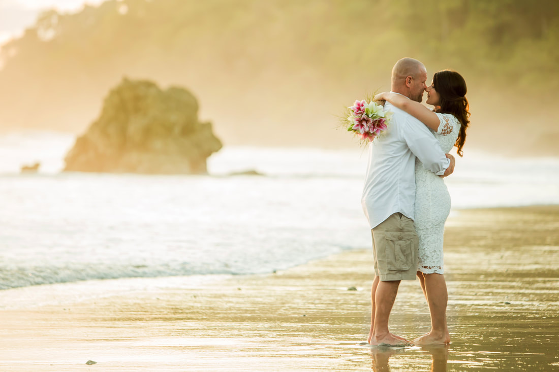 manuel antonio, elopement, beach