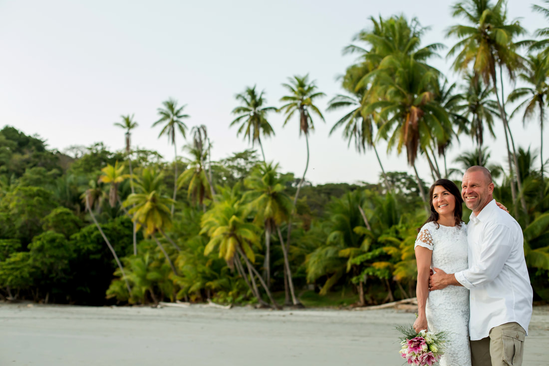 Manuel Antonio beach weddings